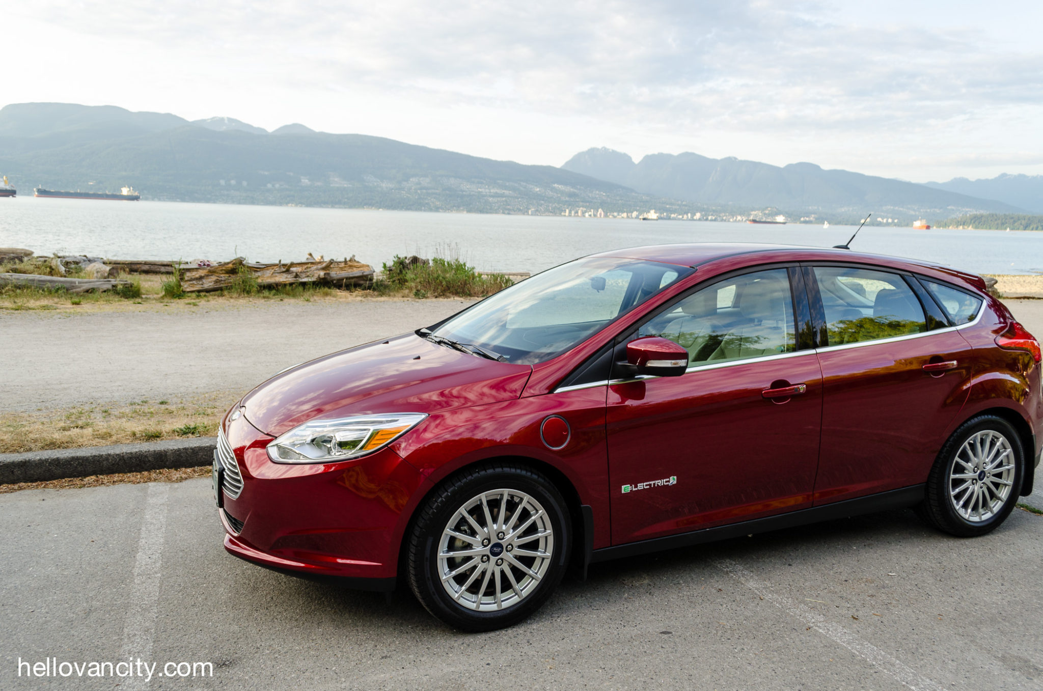 review 2016 ford focus electric hello vancity. Black Bedroom Furniture Sets. Home Design Ideas