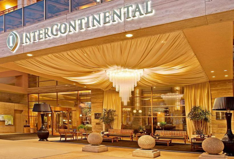 Los Angeles's Top Hotels Offer Travellers A Taste Of